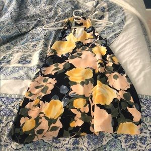 Beautiful floral dress from Lulus worn once!